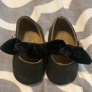 Other - Black maryjane velvet bow strap